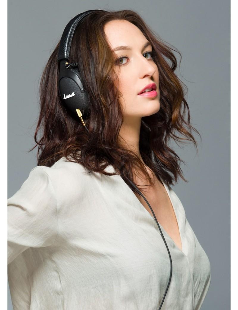 marshall-monitor-headphones-in-girl_1